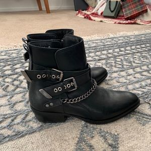 Steve Maddens 'Vail' boots